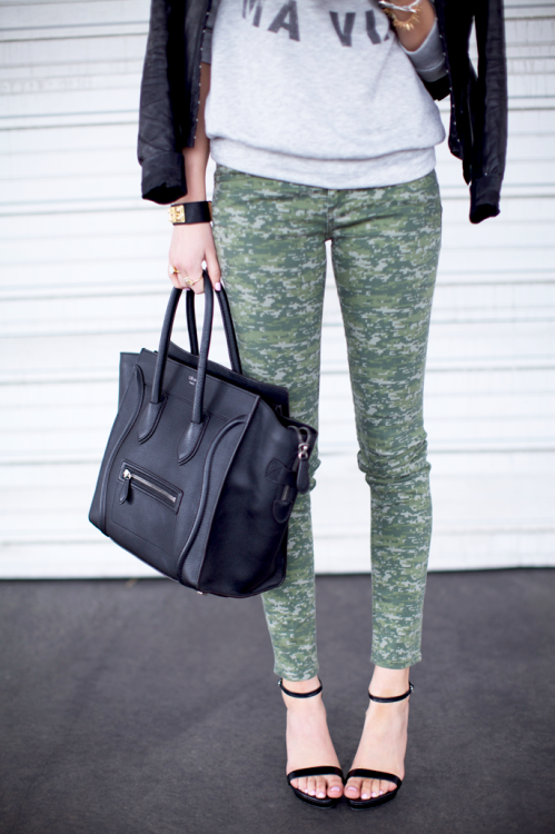 Rag and Bone camo skinnies and black strappy stilettos via Pink Peonies