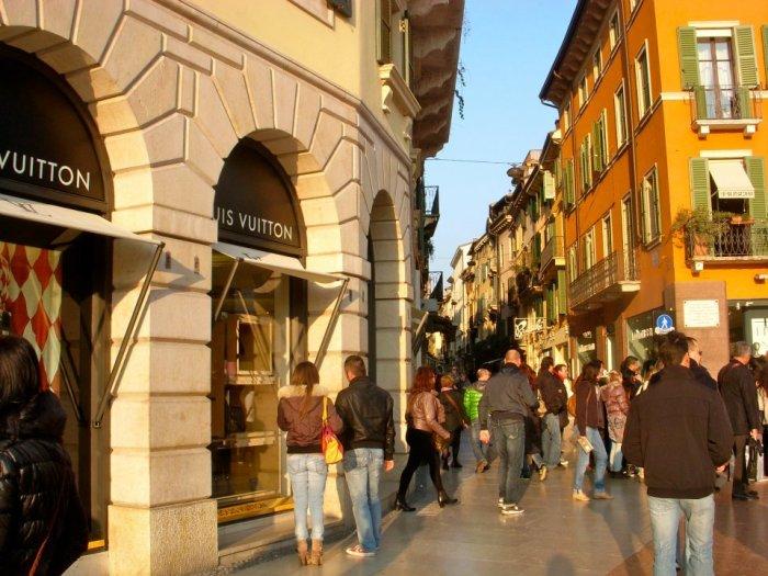 Shops in Verona