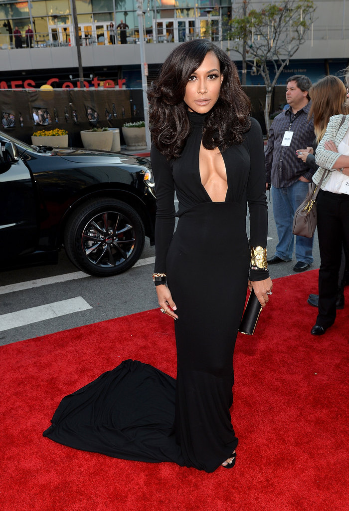 Leave-Naya-Rivera-one-up-her-own-sexy-2013-VMAs-look-stunning-cleavage-baring-Michael-Kors-creation-Marina-B-jewels
