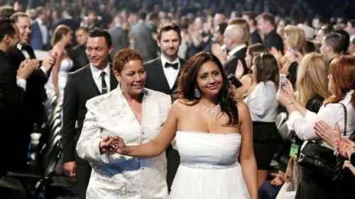 Mass Wedding Grammys 2014